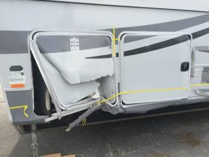 fifth wheel rv damage